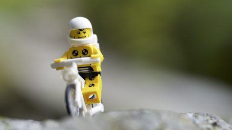 crash-test-dummy-bike-legography